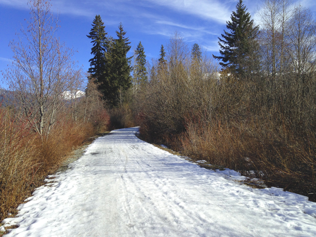 Valley Trail to Rainbow